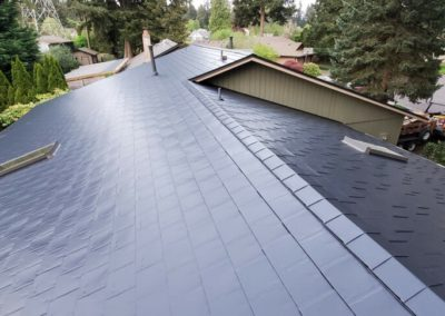 grey cedar shake metal roof on house in vancouver, wa